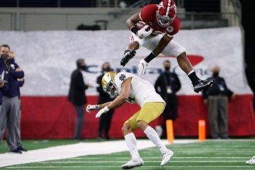 Nagy Harris defeats Notre Dame defender at Rose Bowl after Megan Rapinoe asked him to