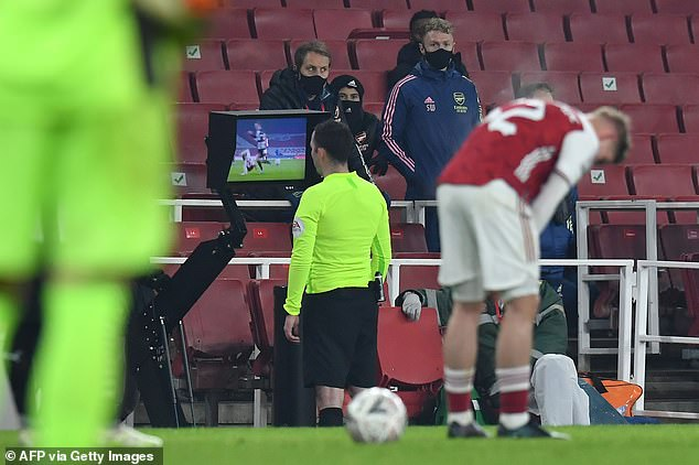 Video Assistant Referee has canceled Emile Smith Roe's red card in stoppage time in Arsenal's 2-0 win over Newcastle