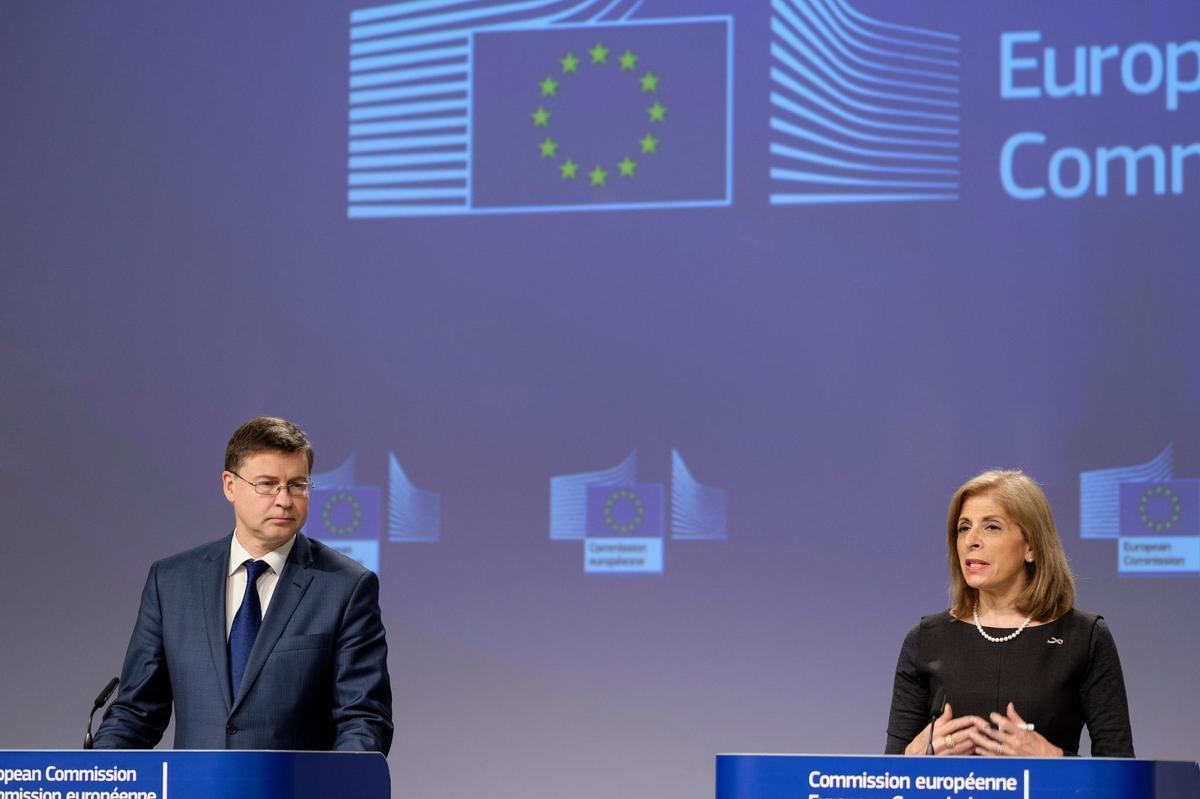 EU Commissioner for Health Stella Kyriakides introduces the vaccine export mechanism with UNHCR Vice President Valdes Dombrovskis.