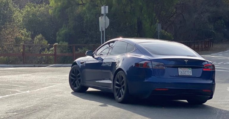The Tesla Model S prototype was spotted with modernization design in the wild