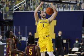 What could Hunter Dickinson do more for Michigan basketball?
