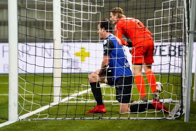 Lyon Bergsma and goalkeeper Simon Insler slashed header after Silvio's 6-0 goal.