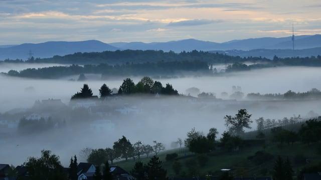 Flat foggy clouds near Eitingen.