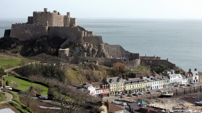 Kanalinsel Jersey Mont Urgell Castle