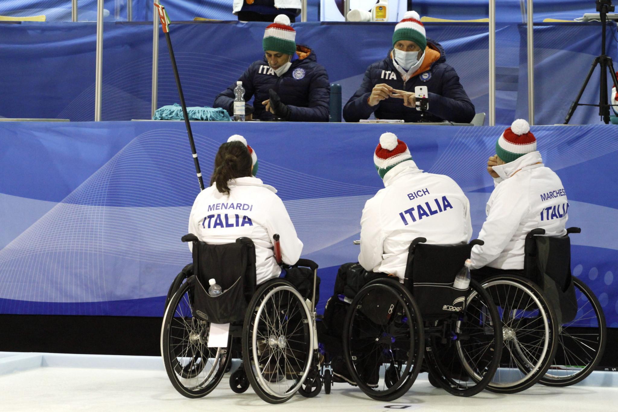 Die-USA-besiegten-die-Schweiz-im-World-Series-Wheelchair-Final-durch-Eisstockschie-en