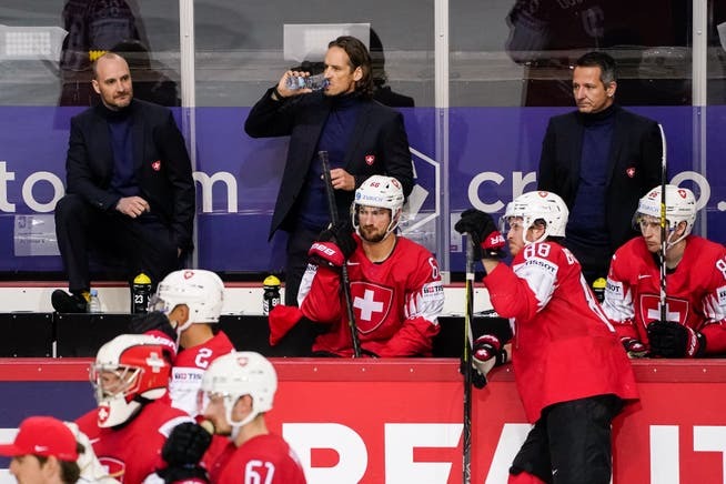 Doubts are emerging about assistant coaches Christian Follwind (left) and Marco Bayer (right).