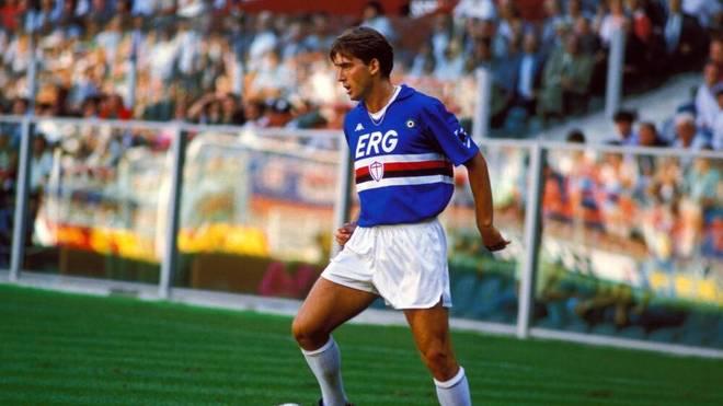 Roberto Mancini in a Sampdoria Genoa shirt