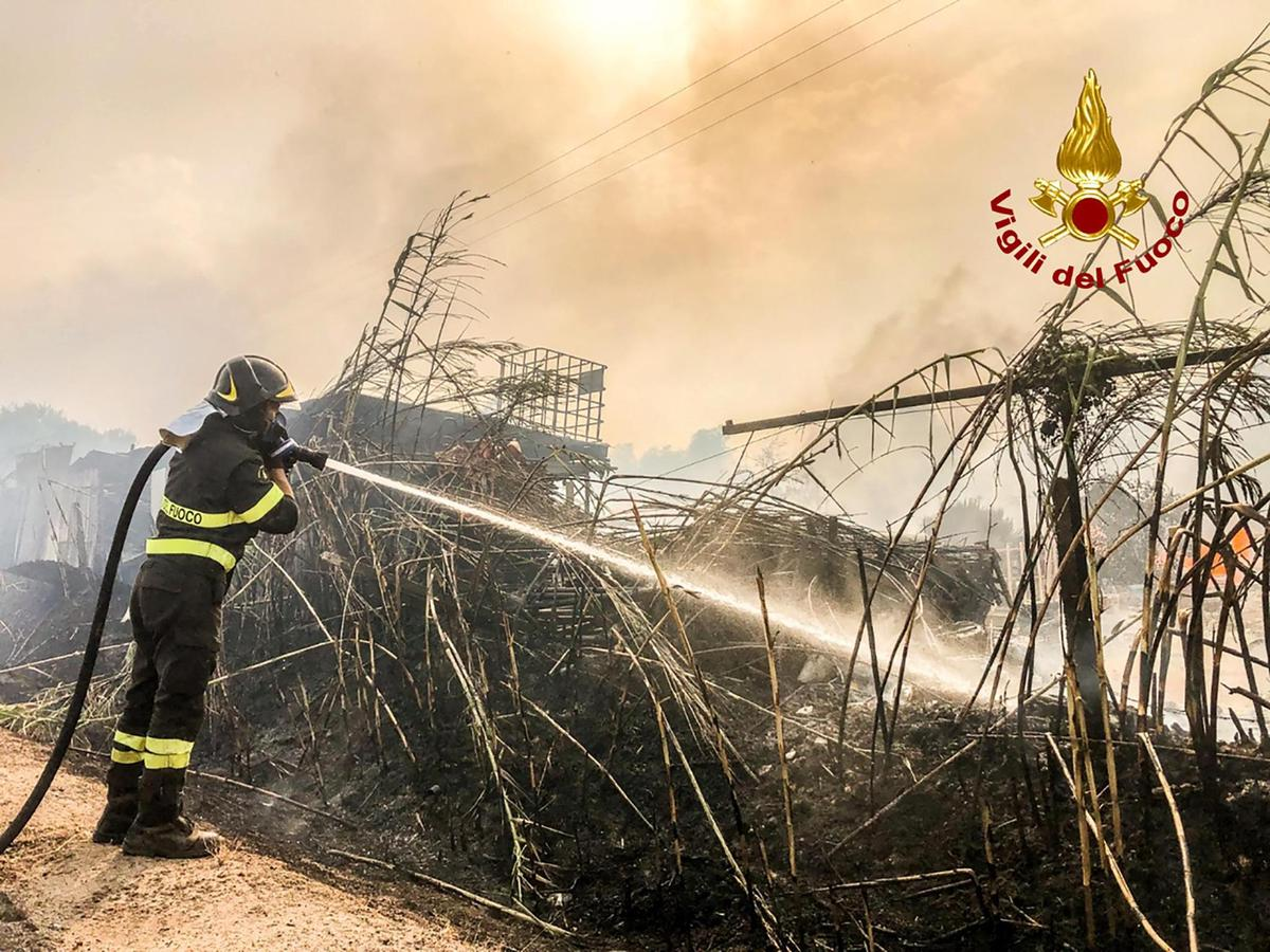Hundreds of residents around Oristano, Sardinia, had to flee their homes while the fire brigade was battling fires in the area.