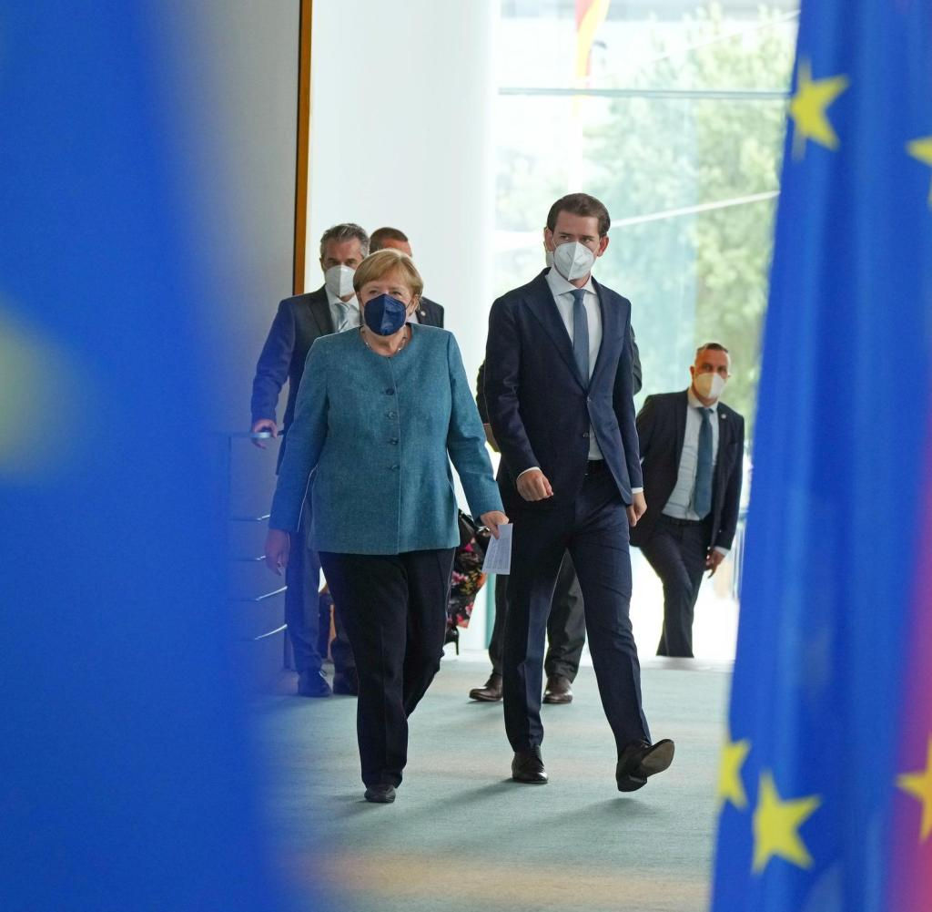 Federal Chancellor Angela Merkel (CDU) receives Austrian Chancellor Sebastian Kurz at the Chancellery