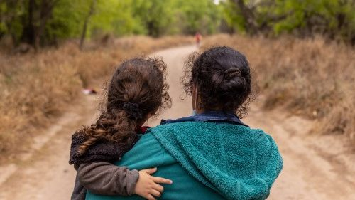 USA: Texas wants to close reception centers, Caritas protests
