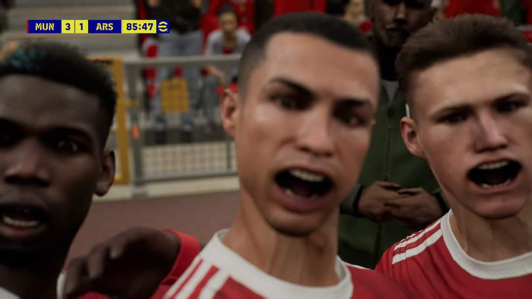 Cristiano Ronaldo's mouth wrinkled in a buggy screenshot from eFootball