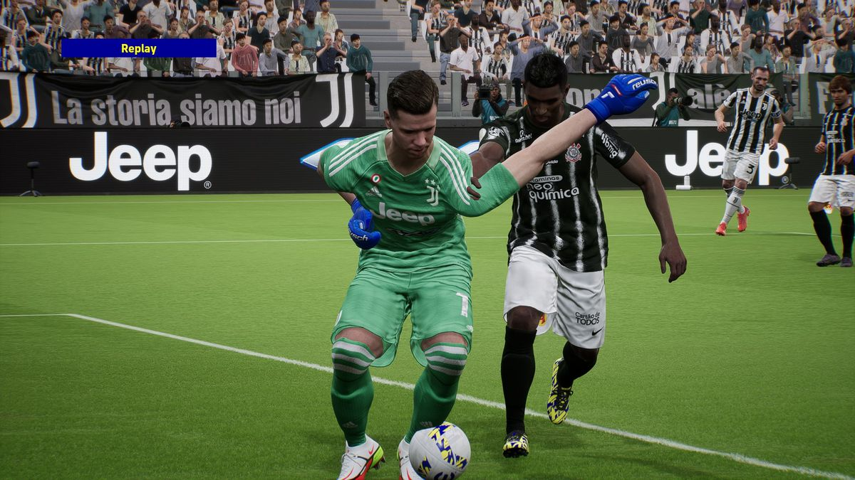 Screenshot of an eFootball error;  The goalkeeper's arms are badly deformed